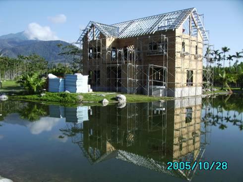 屋頂鋼架完成:   by 台灣環球住宅股份有限公司
