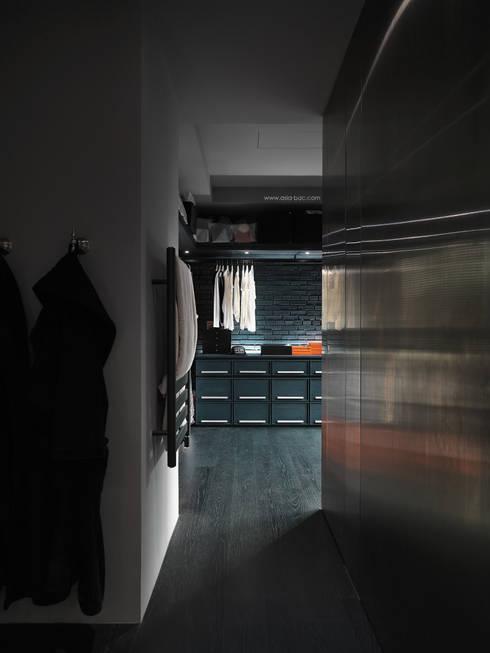 更衣室 by Taipei Base Design Center