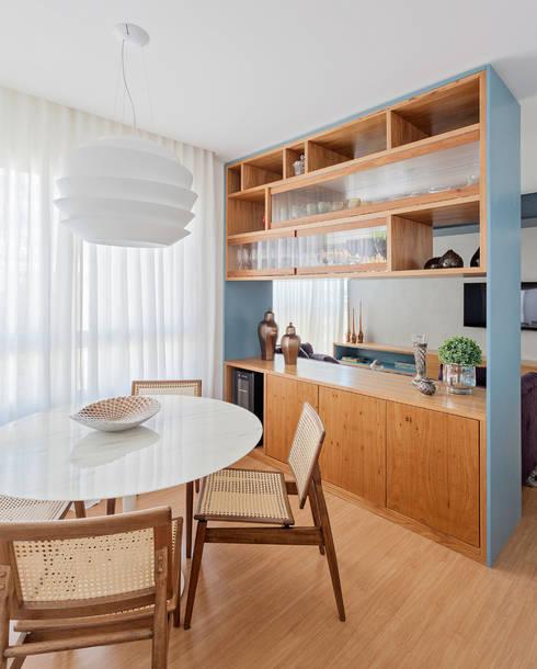 غرفة السفرة تنفيذ Botti Arquitetura e Interiores-Natália Botelho e Paola Corteletti