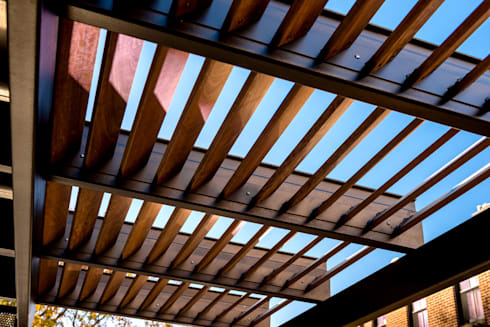 Allley Armor:  Patios & Decks by KUBE Architecture
