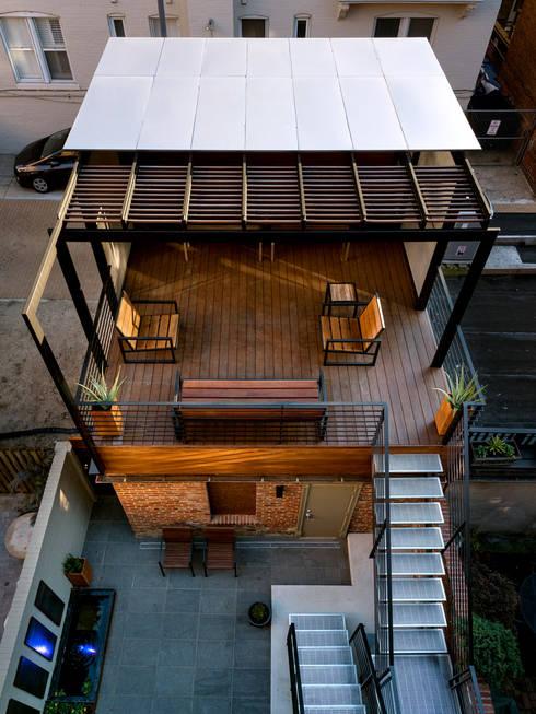 露臺 by KUBE Architecture