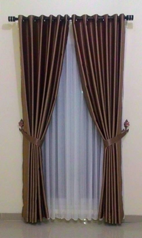 Gorden Minimalis:  Windows & doors  by JB Gorden Dekorasi Indonesia