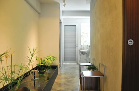 Apartment at Bukit Ho Swee: asian Garden by Quen Architects
