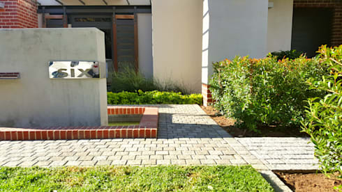 HOUSE ONE: minimalistic Garden by Greenacres Cape landscaping