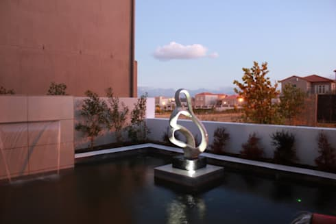 WATERFEATURE: minimalistic Garden by Greenacres Cape landscaping