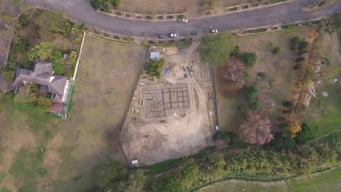 Khun Adrian residence (Under construction):   by สลา