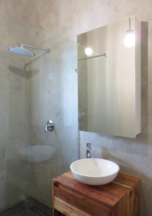 Projekty,  Łazienka zaprojektowane przez Trait Decor