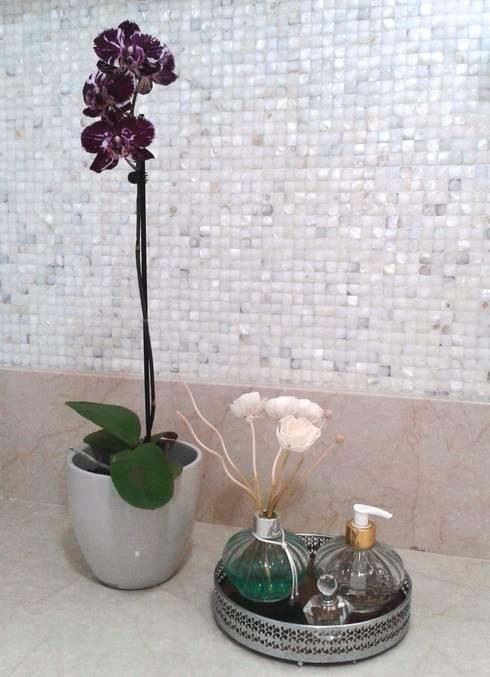 Baños de estilo  por Atelier Plural
