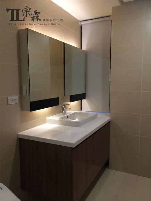 主衛浴:  浴室 by 宗霖建築設計工程