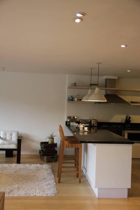 Cocina Abierta: Cocinas de estilo  por KDF Arquitectura