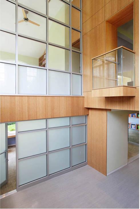 Corridor & hallway by Eisner Design