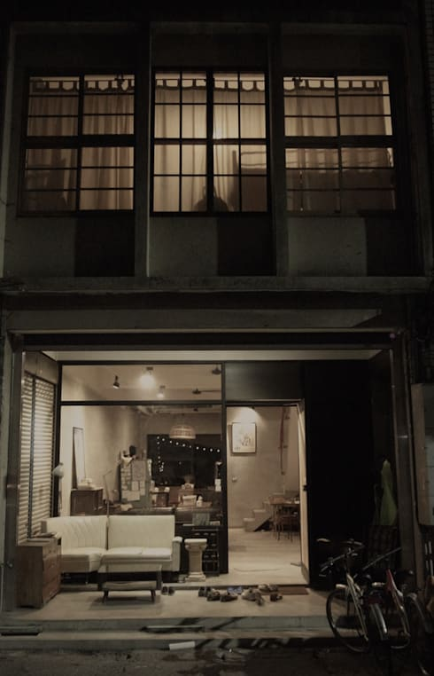 門面櫥窗與雙開窗:  房子 by 日常鉄件製作所