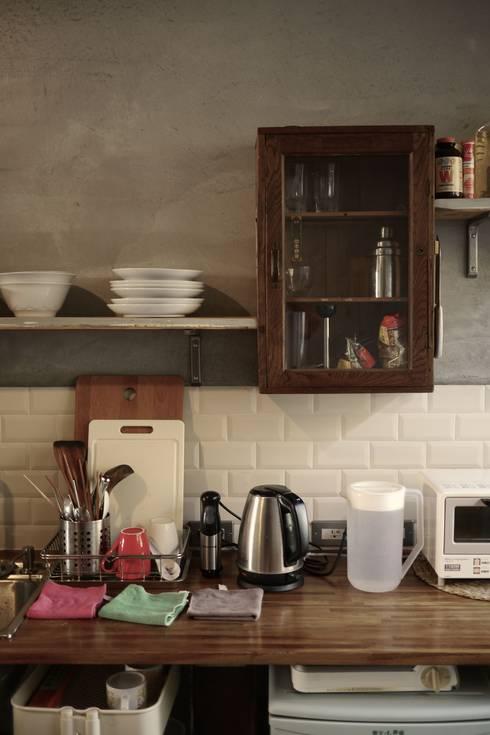 台東自宅:  廚房 by 日常鉄件製作所
