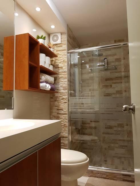 Departamento 87 m2 San Miguel - Lima: Baños de estilo  por Raúl Zamora