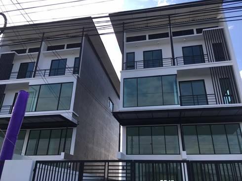 home office  building   (2 unit):   by i am architect CO.,Ltd.