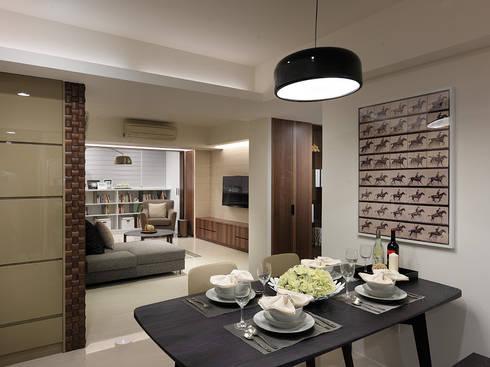 神設計!29坪4房2廳暢快人生:  餐廳 by 大集國際室內裝修設計工程有限公司
