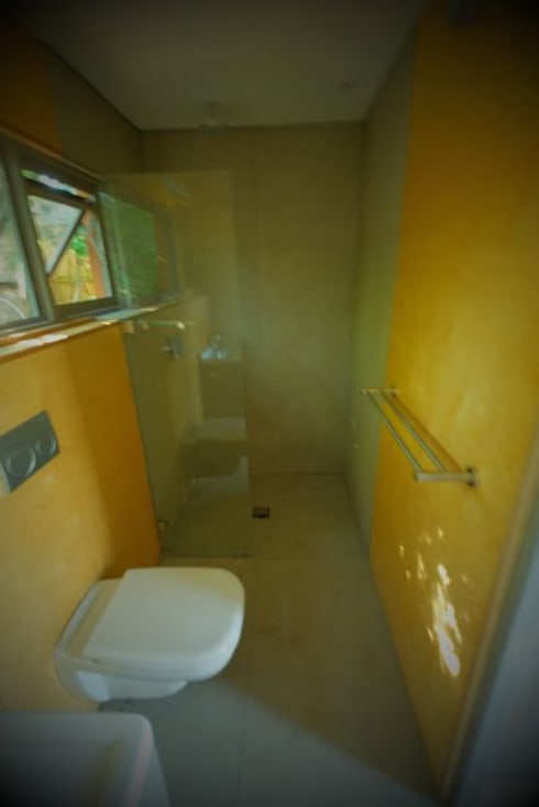 Greenpods model 18+ : scandinavian Bathroom by Greenpods