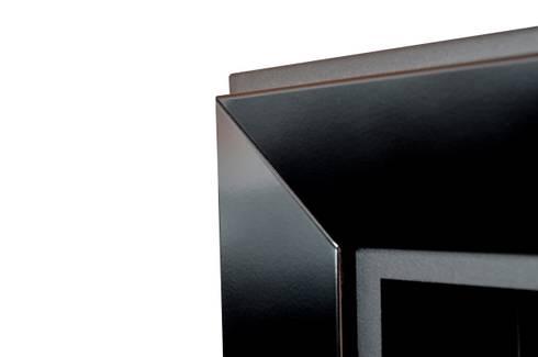 Biokominek Frame 550: styl , w kategorii Salon zaprojektowany przez Hanoo