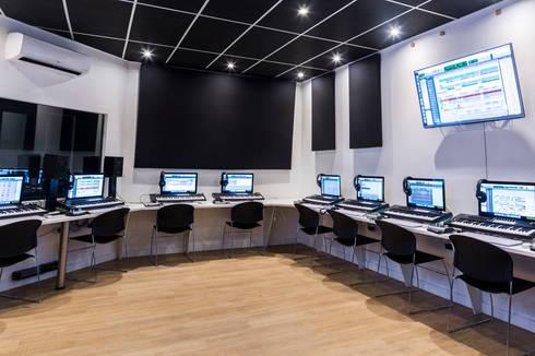 computer lab:  Schools by Till Manecke:Architect