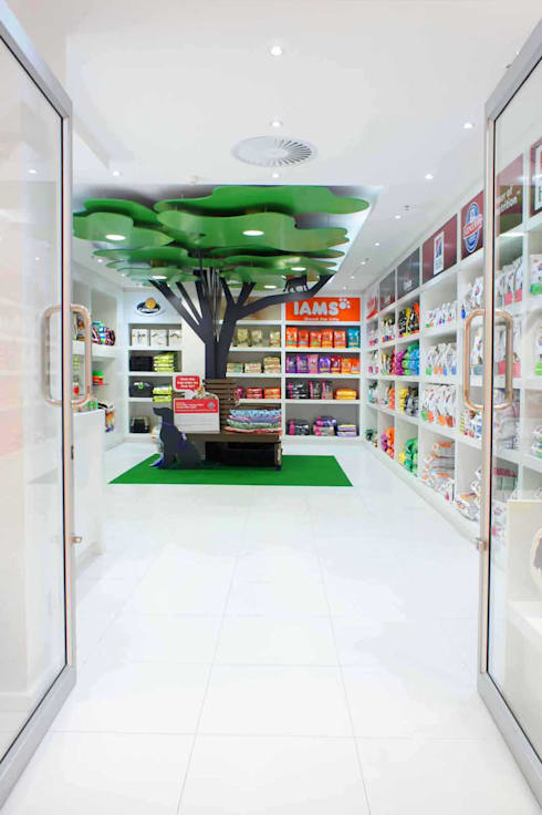 entrance:  Commercial Spaces by Till Manecke:Architect