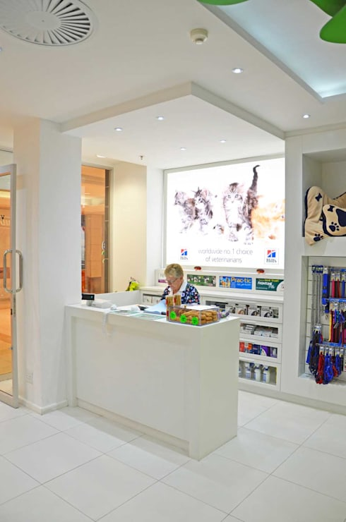 check out counter:  Commercial Spaces by Till Manecke:Architect