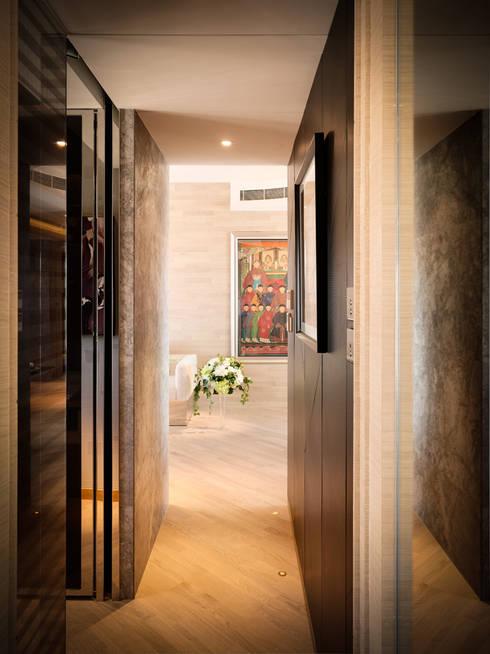 Corridor & hallway by wayne corp