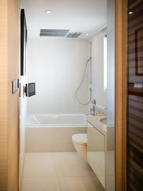asian Bathroom by wayne corp