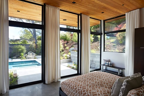 Glass Wall House: modern Bedroom by Klopf Architecture