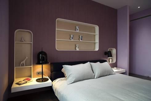 Master Bedroom: modern Bedroom by Sergio Mannino Studio