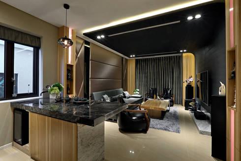 Taiwan  Taichung – J House:  影音室 by 信美室內裝修