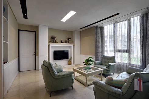 Taiwan  Taichung – J House:  客廳 by 信美室內裝修