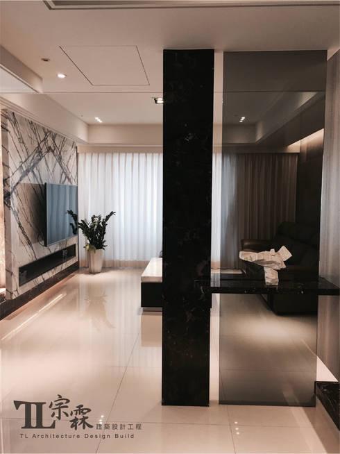 玄關:  走廊 & 玄關 by 宗霖建築設計工程