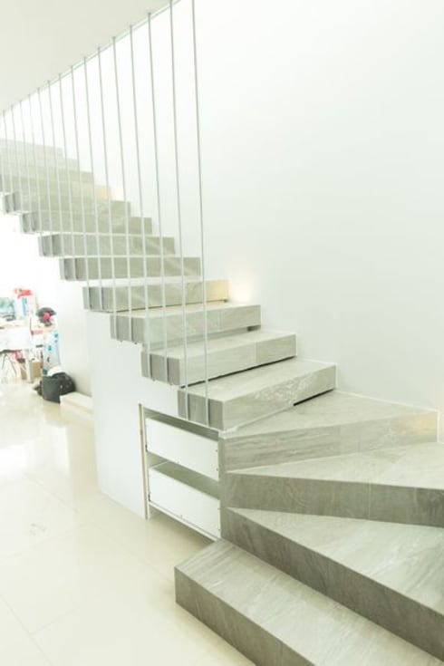 走廊 & 玄關 by GUECO + diseño + arquitectura + construccion