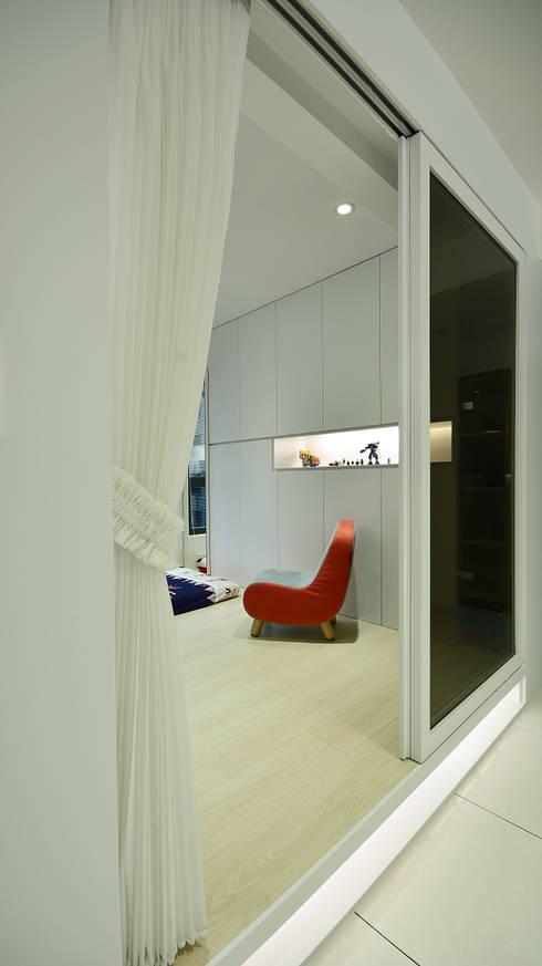 清新樂活舒適屋:  臥室 by 瓦悅設計有限公司