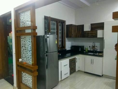 MR. VINOD GARG HOUSE AT FATEHABAD: modern Kitchen by Dream Homes Architect