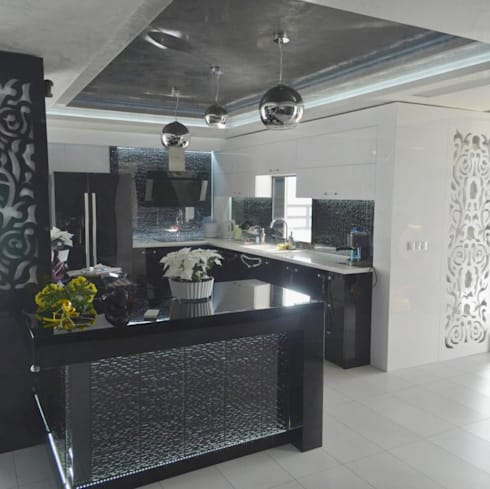 APARTMENT VD SOFIA: modern Kitchen by eNArch.info