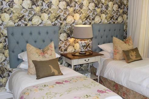 Guest Bedroom—Everton: country Bedroom by Taryn Flanagan Interiors