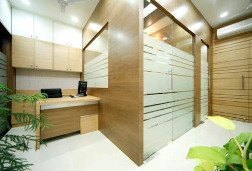 Office Interiors:  Commercial Spaces by Artek-Architects & Interior Designers