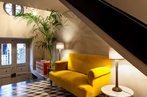 classic Corridor, hallway & stairs by NOS Design