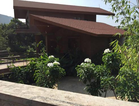 Terrace landscape: modern Garden by Land Design landscape architects