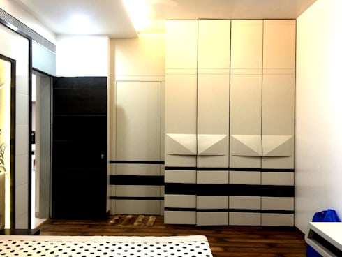 Passion: modern Bedroom by house2home