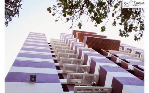 Satguru Sanskar: asian Houses by Mobius Architects
