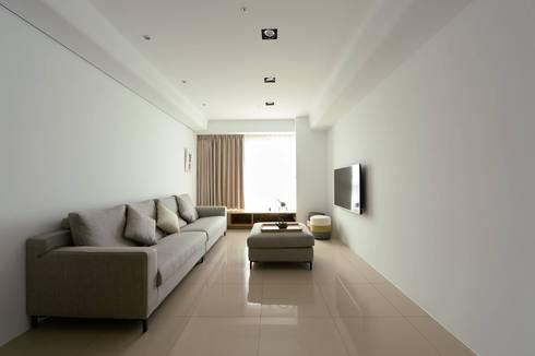 【把空間還給人,善用自然採光及純白營造居家氛圍】:   by 衍相室內裝修設計有限公司