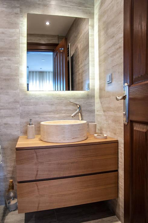 Este Mimarlık Tasarım Uygulama San. ve Tic. Ltd. Şti. – Misafir Banyosu: modern tarz Banyo