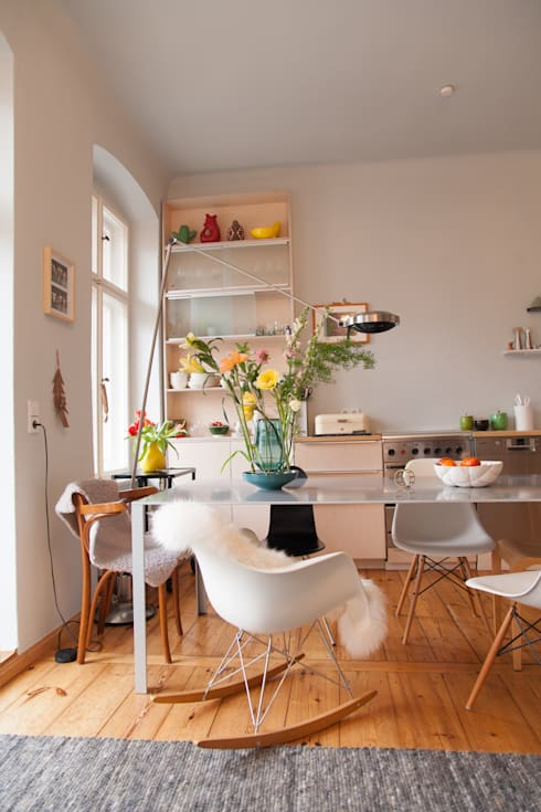 k che aus hellem holz in berlin von berlin interior design. Black Bedroom Furniture Sets. Home Design Ideas