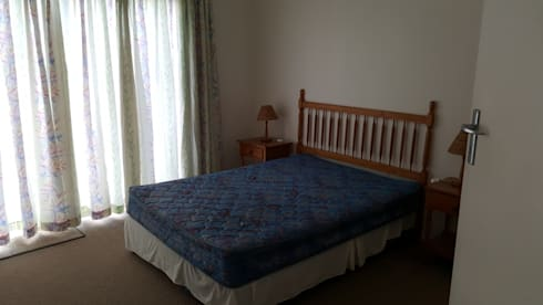 Main Bedroom Before:   by Carne Interiors