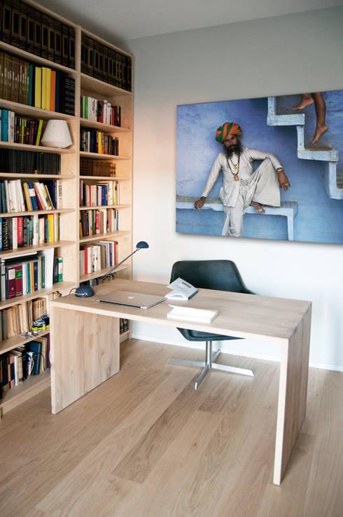 modern Study/office by 07am architetti