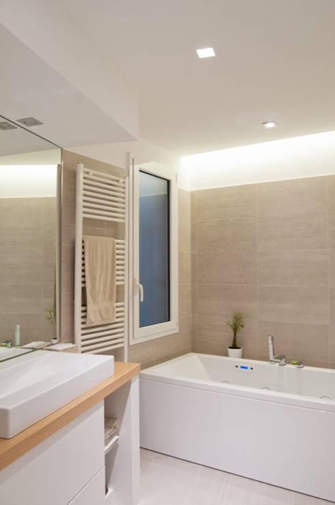 modern Bathroom by 07am architetti