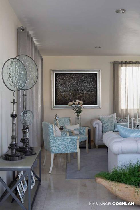 Proyecto Almendros: Salas de estilo  por MARIANGEL COGHLAN