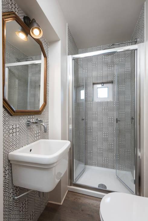 浴室 by Caterina Raddi